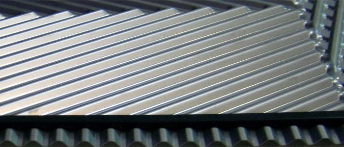 Ребристая поверхность теплообменника газового конвектора