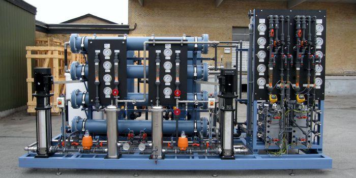Тепло машин и электродиализ для производства водорода