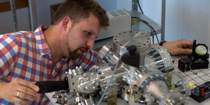 Новый способ получения топлива для водородных двигателей