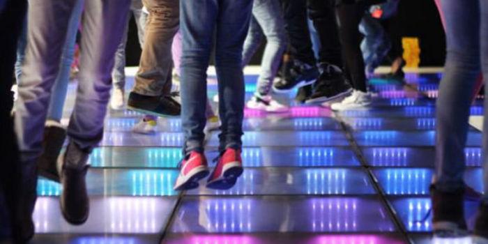 Танцпол ночного клуба Club Watt в Роттердаме, выполненный из пьезоэлектрического материала. Twitter