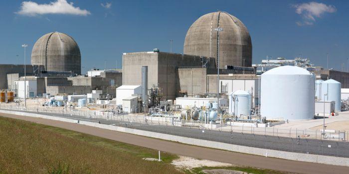 Как радиационное излучение влияет на характеристики бетона